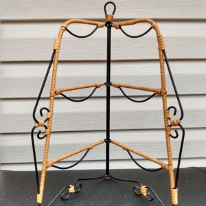VTG Jewelry organizer rattan/ wicker and metal